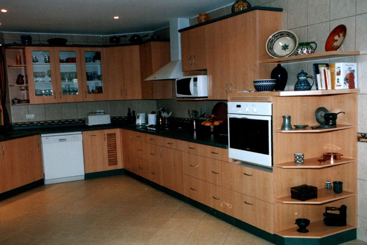 Muebles de Cocina Melamina Cubiertas en Postformado Curacavi
