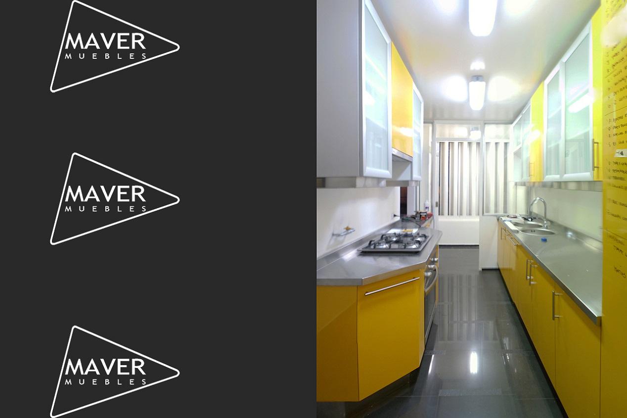 Muebles de cocina con cubierta de acero inoxidable for Muebles para bano acero inoxidable