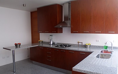 Muebles de Cocina Cubierta de Granito Puertas Melamina