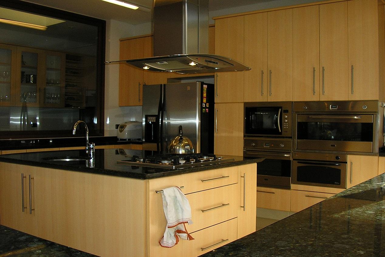 Muebles De Cocina Cubierta Granito Puertas Postformado