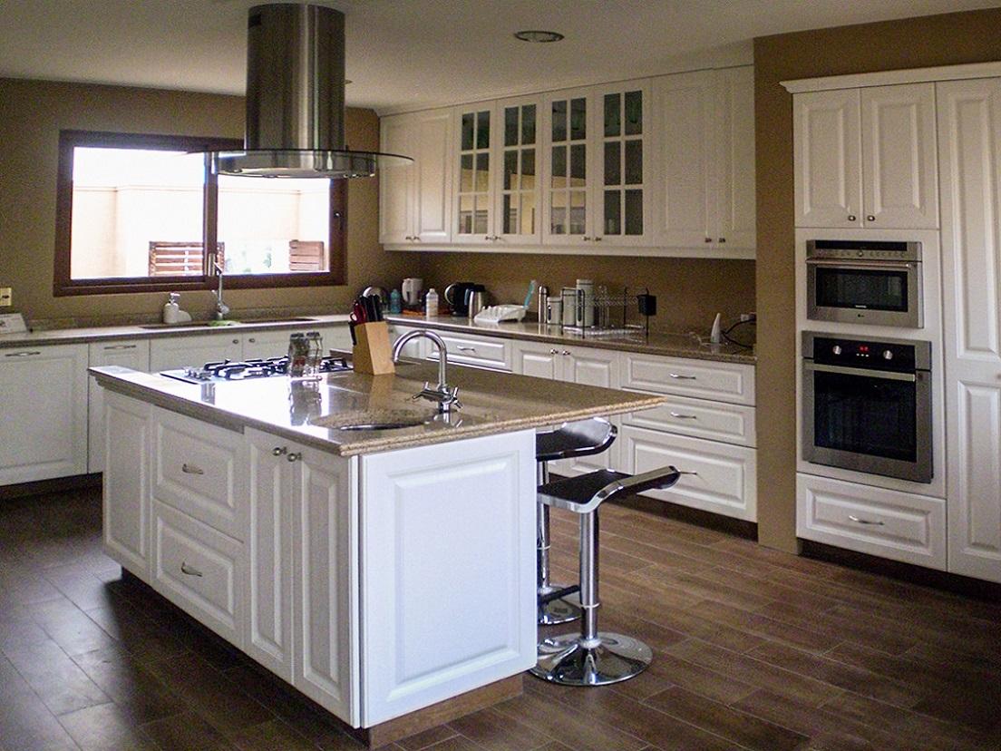 Fotos de muebles de cocina con granito for Marmoles y granitos para cocinas