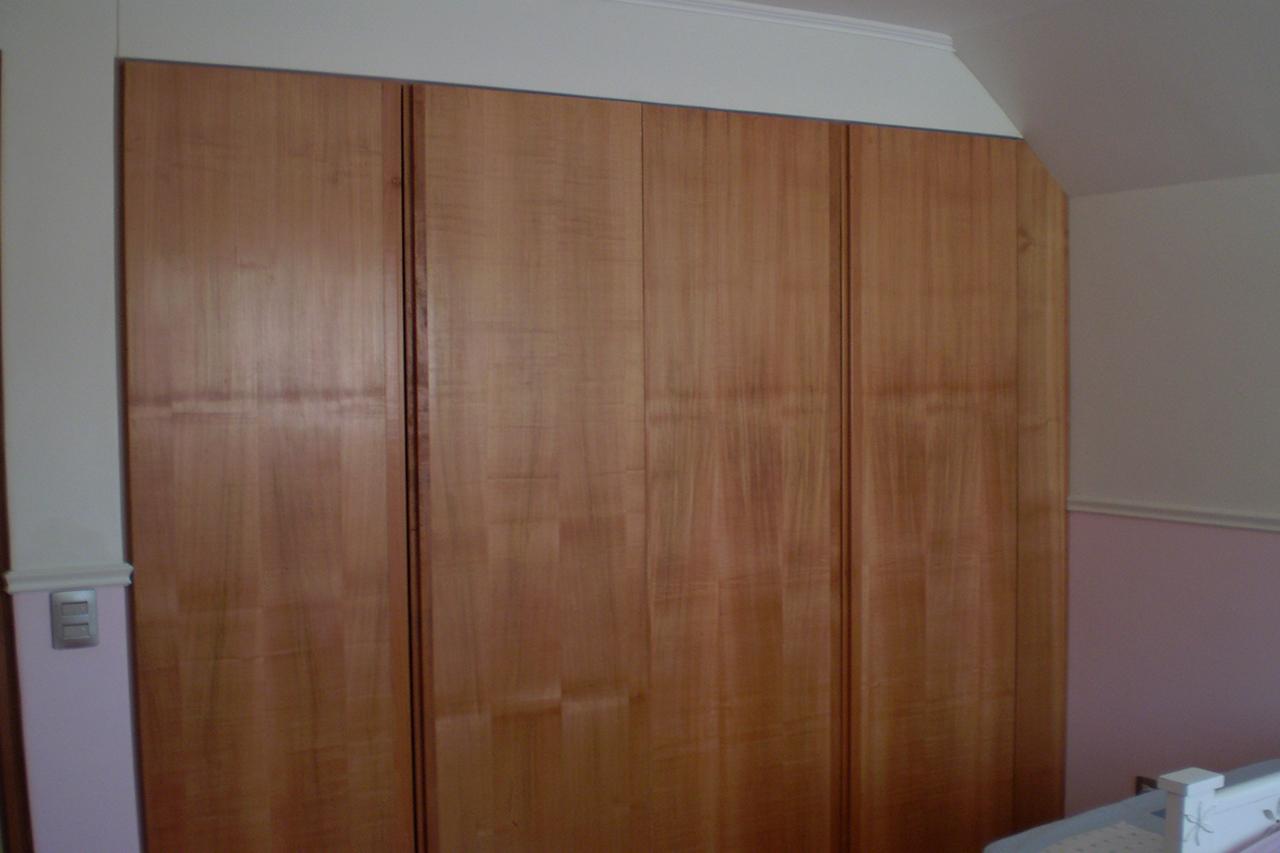 Pin puertas madera catalogo diseno genuardis portal on for Modelos de puertas para closet